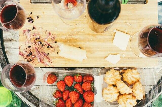 food-drink-kitchen-cutting-board-1